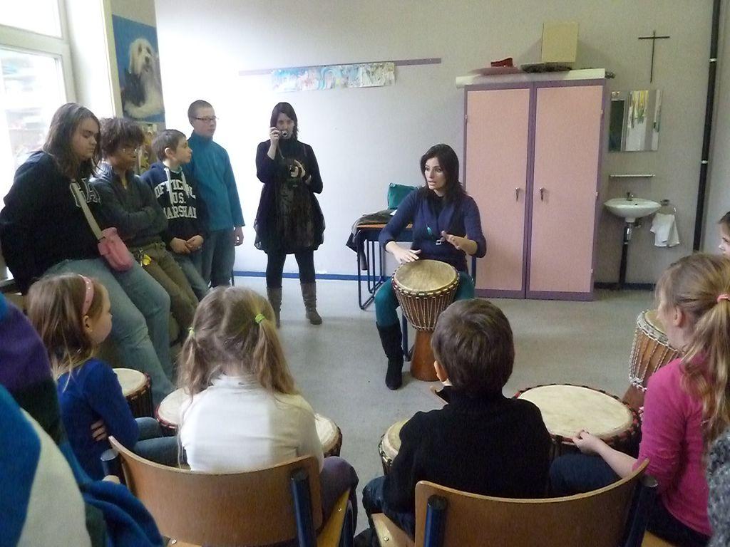 Ateliers artistiques avec l ecole des trieux 2013 for Les portes logiques cours
